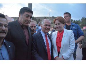 Meral Akşener Dinar'da vatandaşlarla iftar yaptı