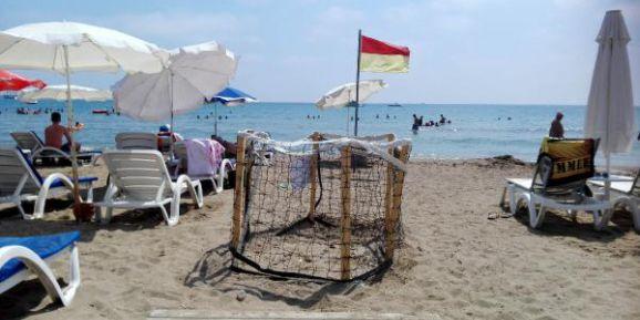 Caretta yuvasına çitli koruma