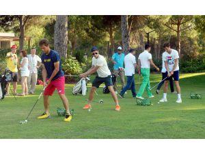 Tenisçiler golf oynadı