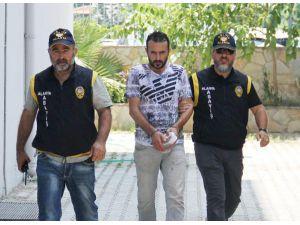 Polise rüşvet teklifine gözaltı