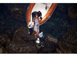 30 metrelik falezlerden ölüme atladı