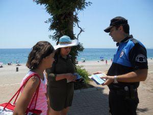 Antalya polisi boğulmalara ve güneş çarpmalarına karşı uyardı