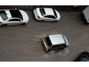 İskenderun'da sağanak yağış