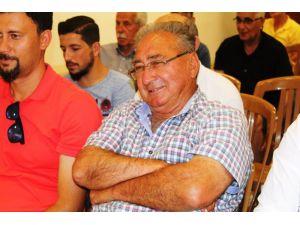 Ayvalıkgücü Belediyespor'da görev bölümü yapıldı