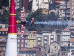 Red Bull Air Race'de Dünya Şampiyonu belli oluyor