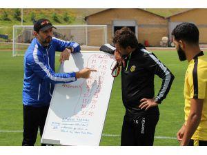 Evkur Yeni Malatyaspor'da Erol Bulut'tan yönetime transfer mesajı