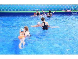 Sultangazili çocuklar yazın tadını portatif havuzda çıkaracak