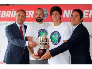 Wimbledon şampiyonu Yankı Erel, medyayla buluştu