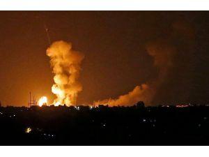 İsrail Gazze şeridine hava saldırısı düzenlemeye başladı