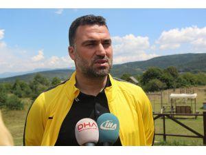 Sözleşme imzalamayan futbolcular mangal partisi yaptı