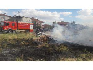 Aksaray'da odun yangını paniğe neden oldu