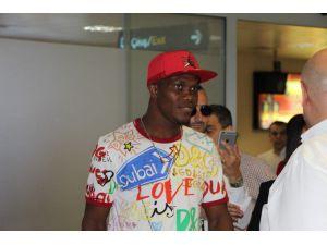 Trabzonspor'un yeni transferi Nwakaeme Trabzon'a geldi