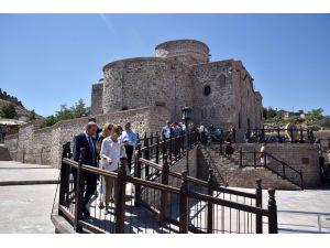 Büyükelçiler Konya'da tarihi mekanları gezdi