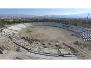 Türkiye'nin ilk müstakil güreş kompleksi inşaatı Isparta'da yükseliyor