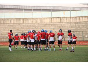 Korumalı Futbol Milli Takımı Yalova'da kampa girdi