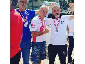58 yaşındaki ama halen koşularda derece yapıyor