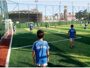 Üsküdar'da yapımı tamamlanan Fidanlık Parkı hizmete açıldı