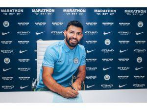 Manchester City, Agüero'nun sözleşmesini uzattı