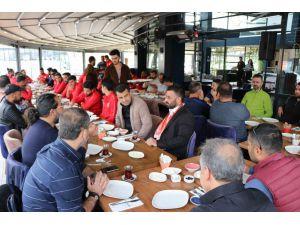 Meterisliler Taraftarlar Grubu Nevşehir Belediyesporlu Futbolcularla Kahvaltıda Bir Araya Geldi