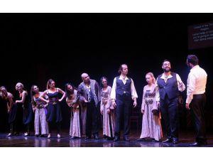 'Türküyem' Müzikali Yeniden Sahnede