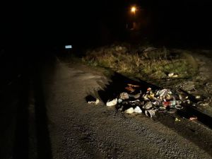 Yola Çöp Döken Araç, Her Yerde Aranıyor