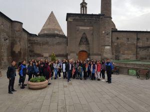 40 Öğrenci Polis Ağabey Ve Ablaları İle Kayseri'yi Gezdi