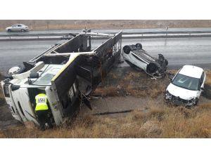 Yeşilhisar'da Kaza: 2 Yaralı