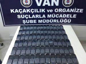 Van'da 80 Adet Kaçak Cep Telefonu Ele Geçirildi