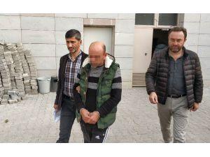 Hakkında 10 Yıl Hapis Cezası Bulunan Şahıs Sahilde İçki İçerken Yakalandı