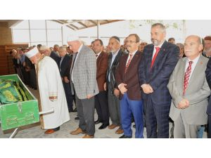 Başkan Şahin, Kaşıkçı'nın Cenazesine Katıldı