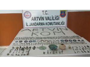 Artvin'de 3 Yolcunun Valizlerinden Bin 558 Adet Tarihi Eser Çıktı