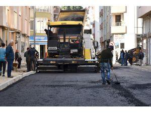 Çorlu'da Asfalt Serim Çalışmaları Devam Ediyor