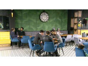 Erü'nün İlk Cafe Restorandı Açıldı