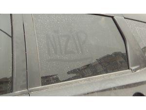 Nizip'te Toz Bulutundan Araçlar Etkilendi