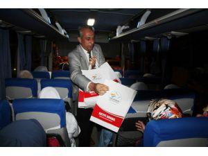 Başkan Seyfi Dingil'den Umre Yolcularına Hediye