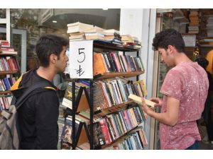 Kitap Fiyatları Artınca İkinci Ele İlgi Arttı