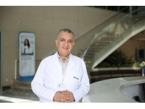 """Doç. Dr. Mustafa Ülker: """"Kötü Alışkanlıklar Dişinize Zarar Vermesin"""""""