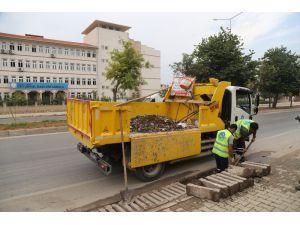 Meski Izgara Ve Kanal Temizlik Çalışmalarını Sürdürüyor
