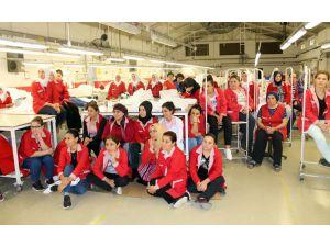 Tekstil Çalışanı Kadınlara Kanser Anlatıldı