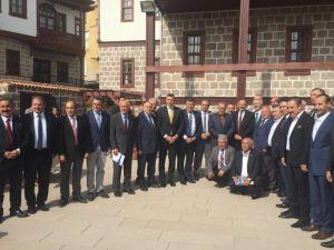 Ak Partili Özhaseki Ankaralı Sivil Toplum Örgütü Başkanlarıyla Buluştu