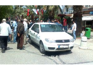 Belediye Aracı Hidrolik Bariyere Çarptı