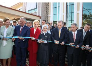 Cumhurbaşkanı Erdoğan, Komrat Bölge Hastanesi Aziz Sancar Tanı Ve Tedavi Merkezinin Açılışına Katıldı