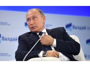 """Putin: """"Deaş'ın Elinde 700 Esir Var"""""""