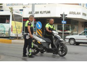 Manavgat'ta Motosiklet Kazalarında 3 Kişi Yaralandı