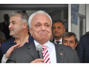 Eski Turizm Bakanı Atilla Koç, Gözyaşlarını Tutamadı