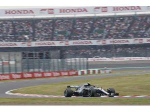 Mercedes-amg Petronas Abd'de Yine Zirve Peşinde