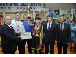 Basketbol Cumhuriyet Kupası Gaziantep Kolej Vakfı'nın