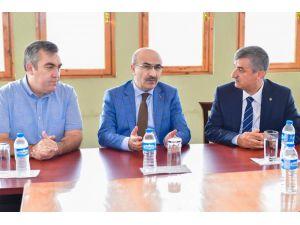 """Vali Demirtaş: """"Adana'yı Geleceğin Parlayan Yıldızı Yapacağız"""""""