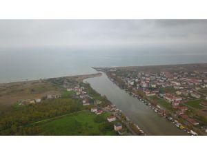 Karadeniz'in Giderek Yaklaştığı Mahalle Mendirek Çakılmazsa Sular Altında Kalacak