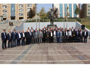 19 Ekim Muhtarlar Günü Kent Meydanında Kutlandı
